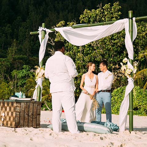 Barefoot Weddings | North Island Promotion Barefoot Wedding North Island Seychelles