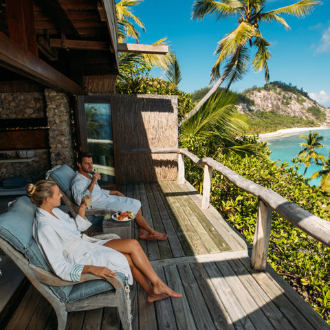 2019-north-island-couple-at-the-spa
