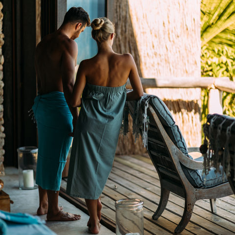 2019-north-island-spa-and-gym-couple-in-spa